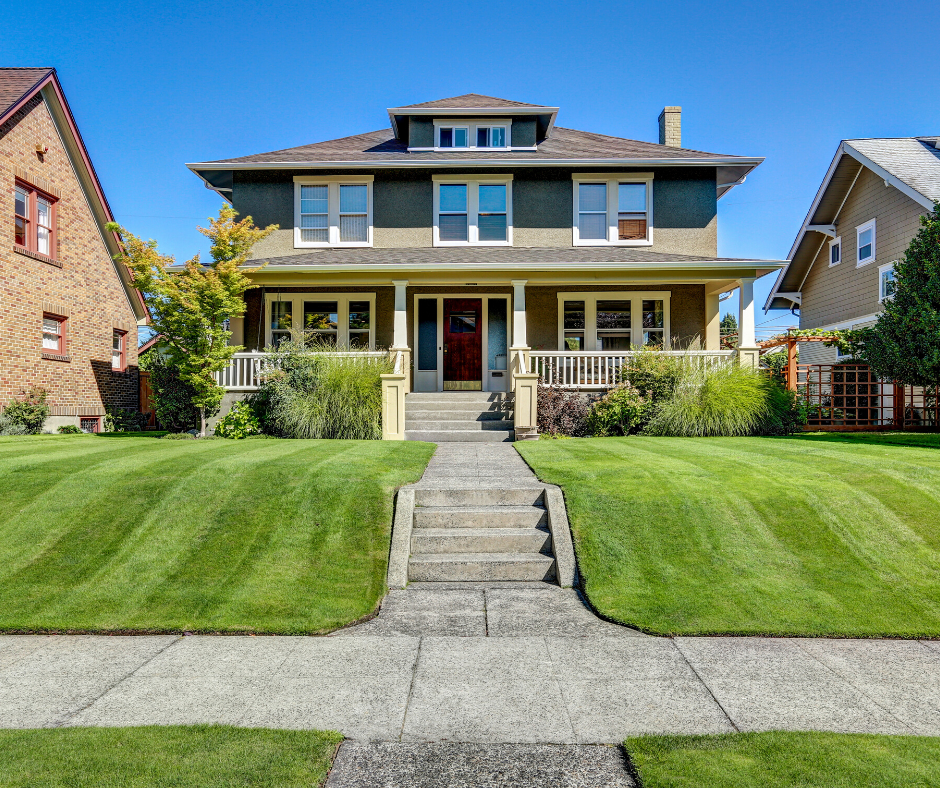 Lawn Maintenance: Adding to Your Home's Curb Appeal